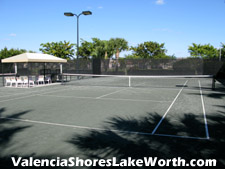 Four of Valencia Shores' tennis courts are located at the social clubhouse. These Har-Tru courts are lighted and have their own restroom facility.